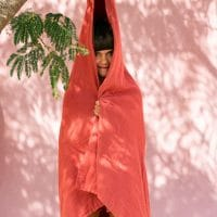 serviette de bain coton bio teinture végétale corail rose rouge